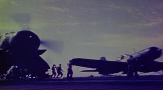 5-22-15米空母から離陸する艦載機_S.jpg