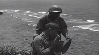 米兵に促され投降を呼びかける青年_6-17-45-S.jpg